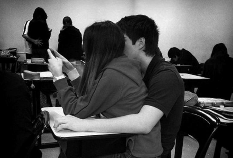 8 sinais que os homens dão quando estão apaixonados