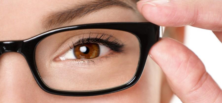 6 truques que as pessoas que usam óculos de grau precisam saber d8bf13a150