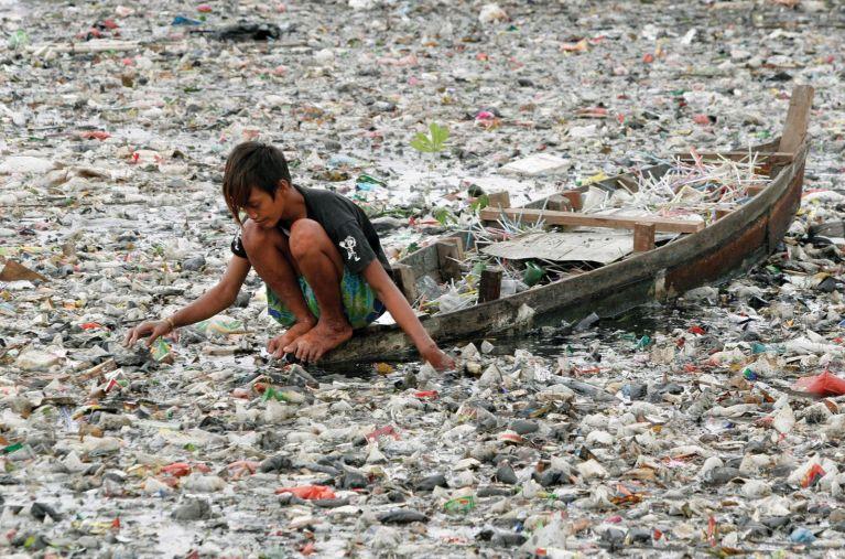 10 imagens pesadas que mostram que a pior espécie do planeta é o ser humano