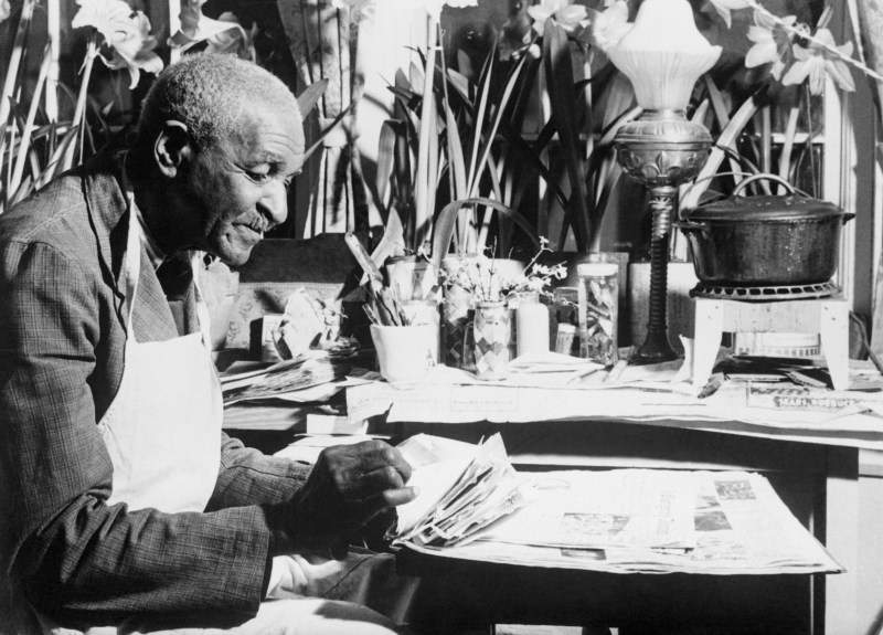 27 Feb 1940 --- Botanist George Washington Carver donated $33,000 in cash to the Tuskegee Institute to establish a fund to carry on the agricultural and chemical work he began. --- Image by © Bettmann/CORBIS