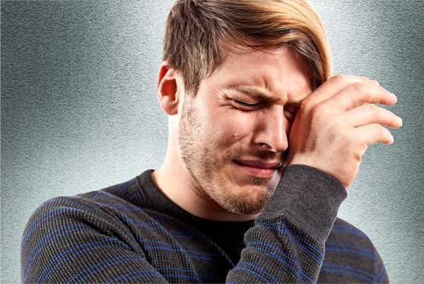 Homen-chorando-man-crying-Revista-Momen