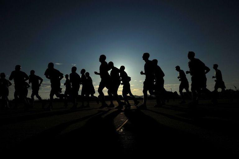 8 segredos dos soldados do exército para se manterem acordados durante as operações