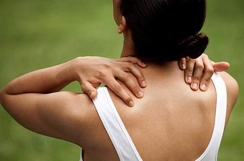 yoga-dor-no-ombro-pescoço
