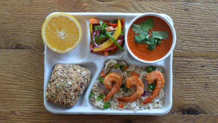 Como é o almoço das crianças no colégio ao redor do mundo?