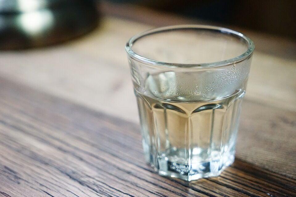 O que acontece se você beber água quente todos os dias?