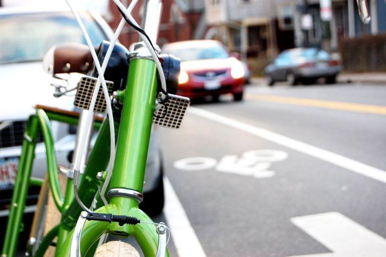 7 motivos para você andar de carro e nunca de bicicleta