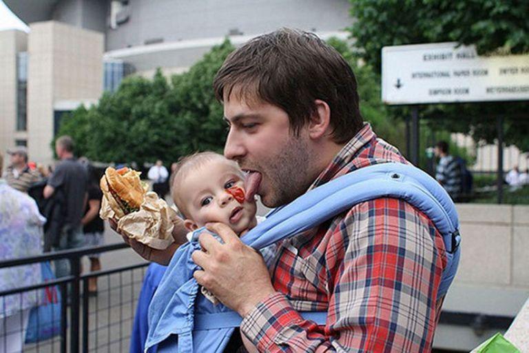 26 imagens que provam como é perigoso deixar um filho com o pai