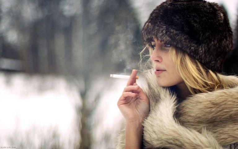8 situações constrangedoras pelas quais todos os fumantes já passaram