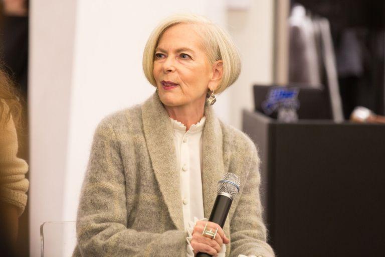 Jornalistas confundiram essa professora de 63 anos com um ícone da moda e sua vida mudou completamente