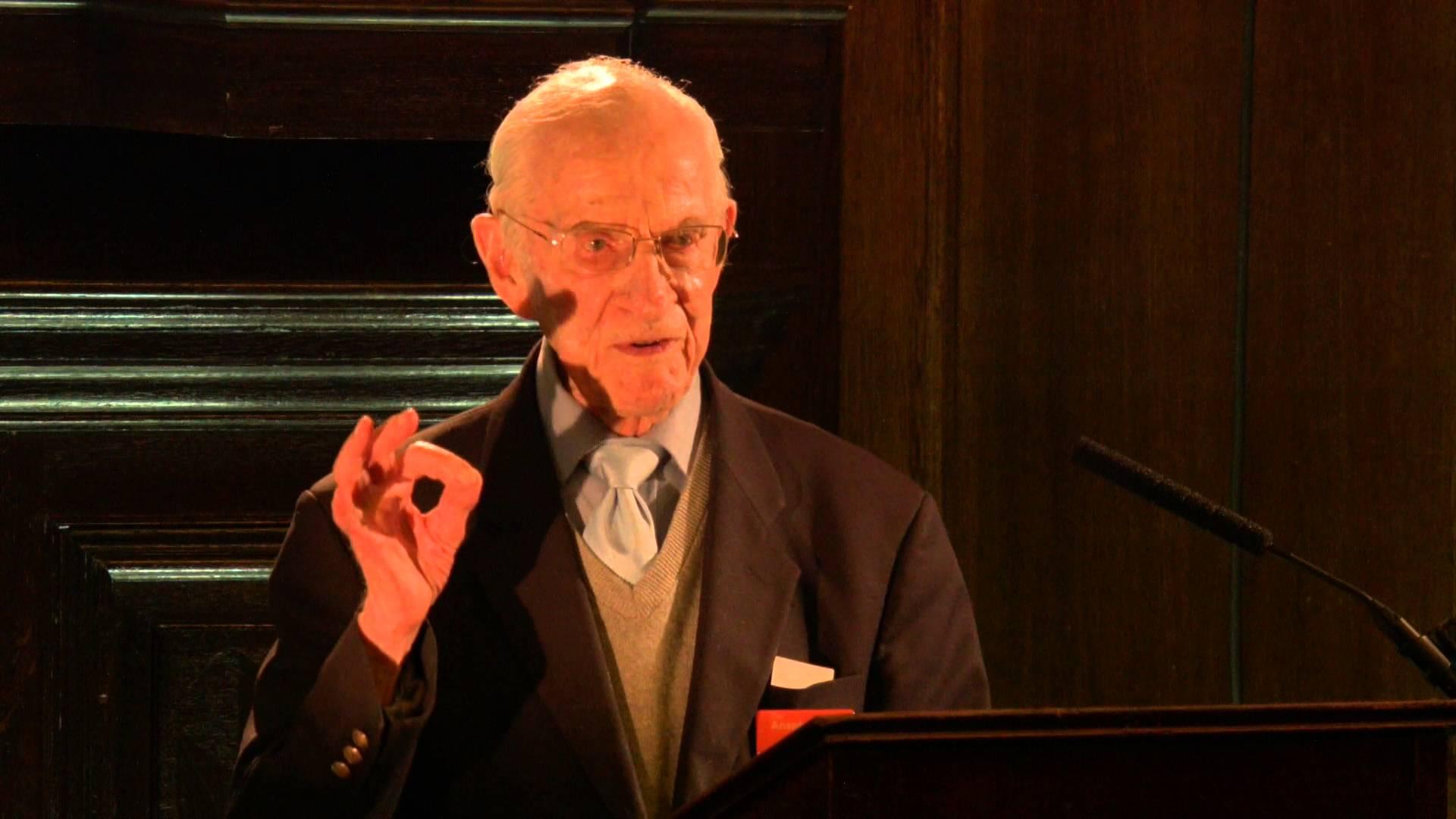 Veterano da 2ª Guerra Mundial, o médico mais velho da Grã-Bretanha revela o segredo de viver tanto tempo