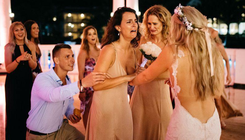 Pedido Casamento Amigas 1 0617 1400x800, Fatos Desconhecidos