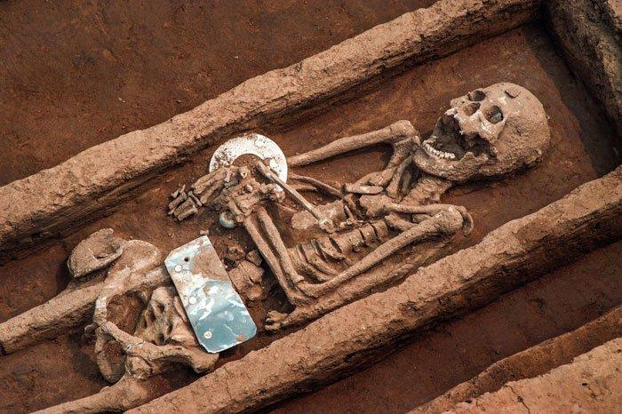 """Ossos de """"gigantes"""" são encontrados na China"""