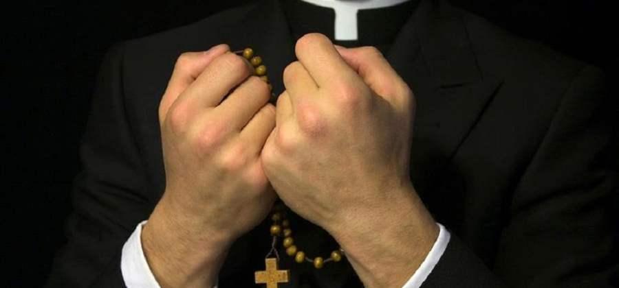 Resultado de imagem para Porque não se deveria chamar os padres de Padres