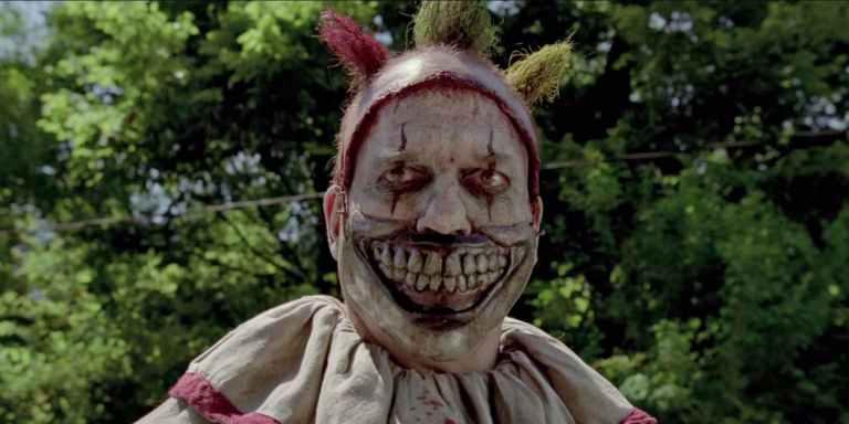American Horror Story – Cena de Show de Aberrações que você deve reassistir antes de ver Cult