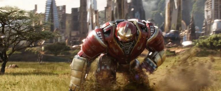 Não é o Tony Stark?! Quem está vestindo a Hulkbuster no trailer de Vingadores: Guerra Infinita?