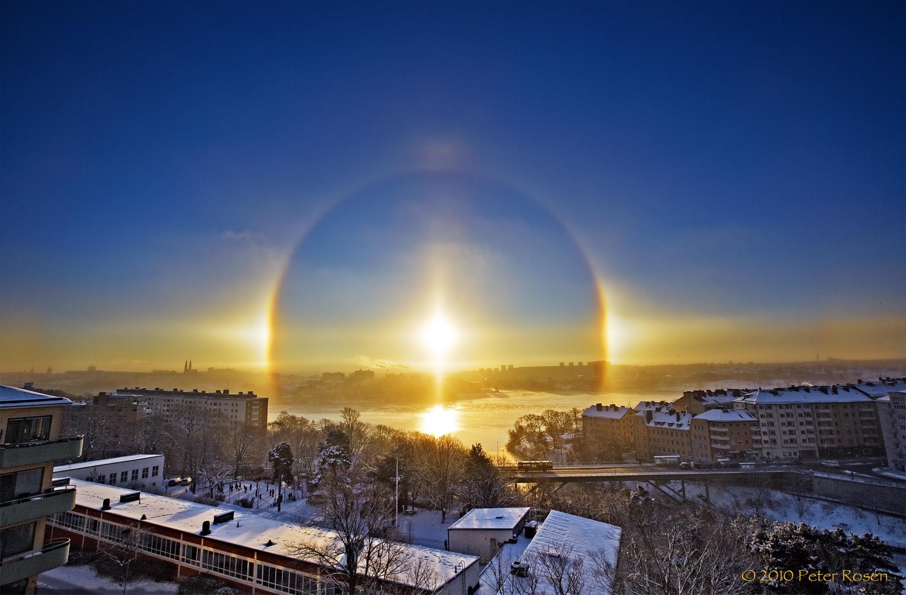 """Suposto """"anjo"""" aparece no céu da Suécia, mas rapidamente a NASA tenta explicar o que é"""