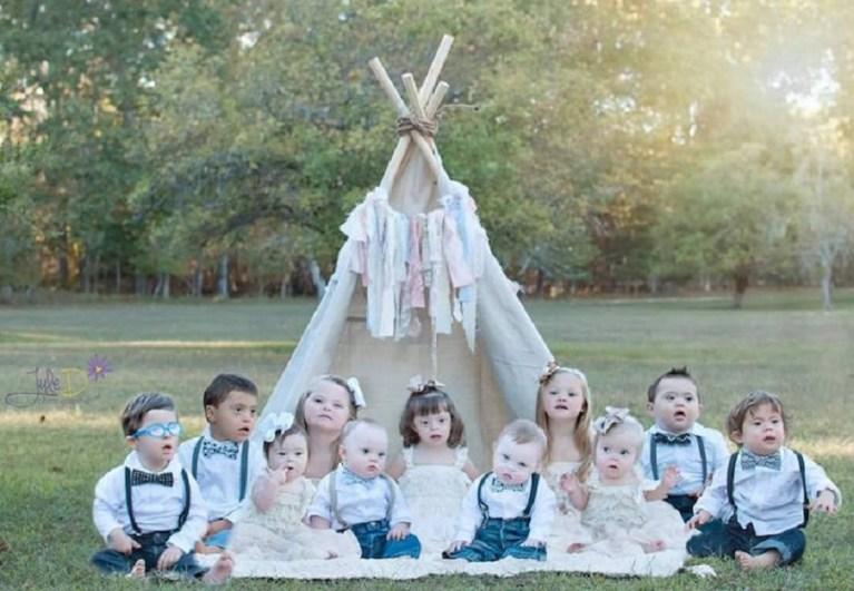 Os pais dessas 11 crianças com Síndrome de Down fizeram um ensaio lindo e cheio de amor