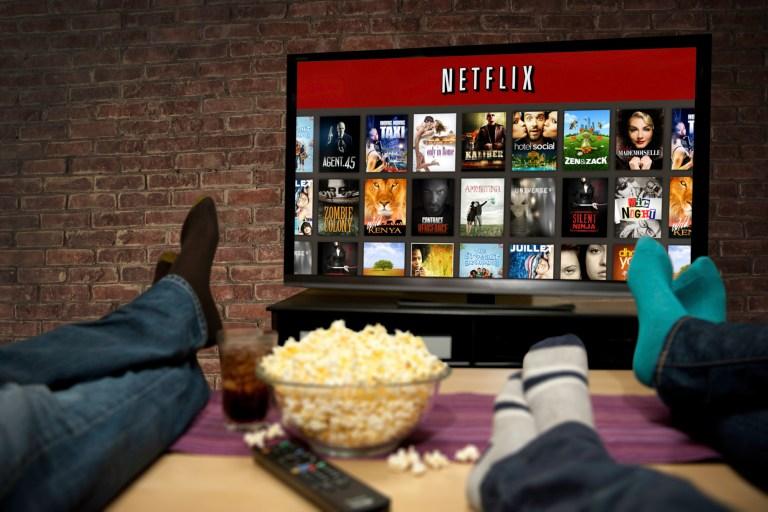 Saiba o que acontece com seu cérebro quando você faz uma maratona no Netflix
