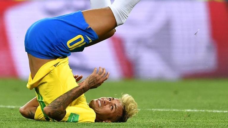 Essa é a quantidade de vezes que Neymar caiu nos dois jogos da Copa do Mundo 2018