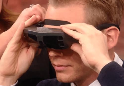 O momento que um homem cego vê a sua esposa pela primeira vez vai derreter seu coração [vídeo]