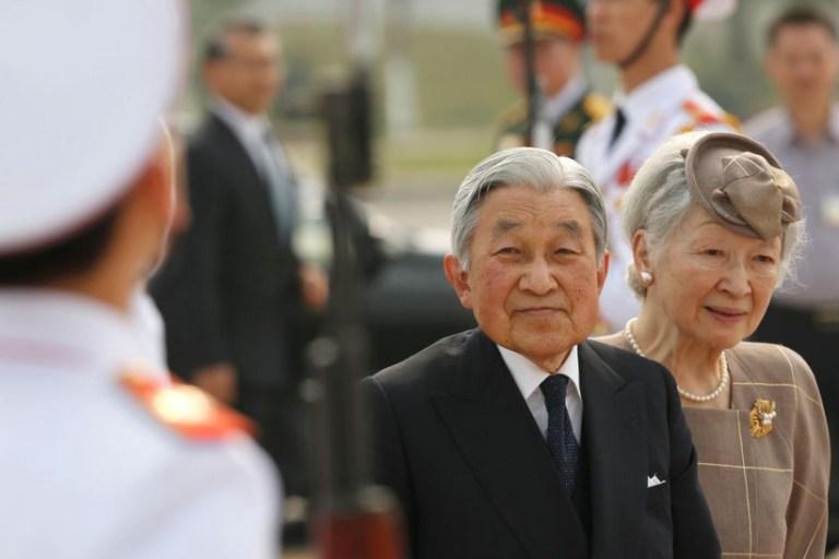 O imperador japonês que aos 84 anos ainda publica artigos científicos