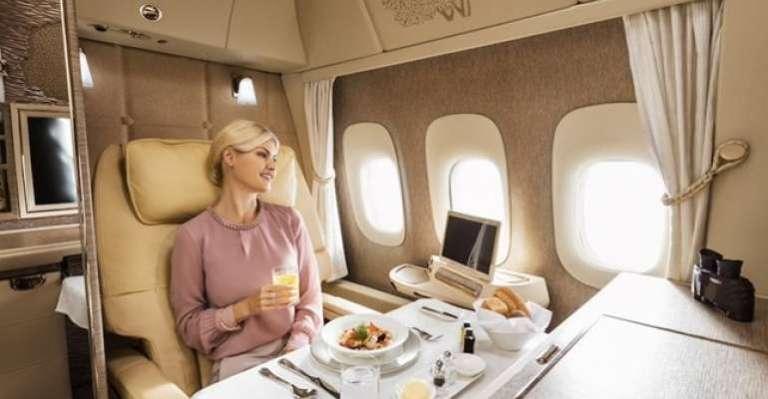 8 imagens que mostram como são os vôos de primeira classe ao redor do mundo