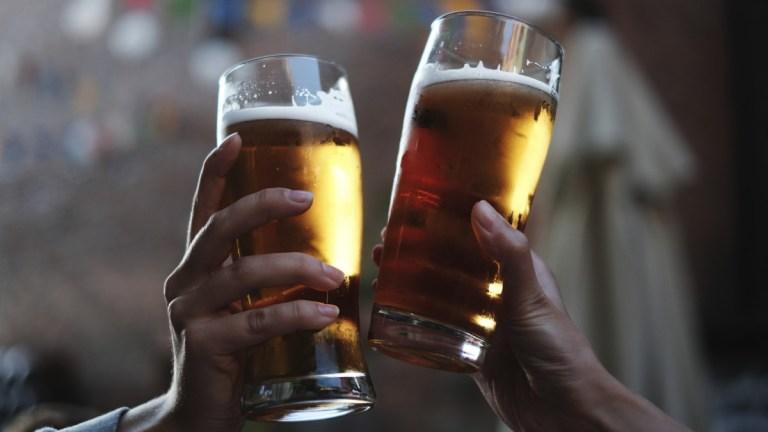 7 formas de descobrir se sua bebida é falsa