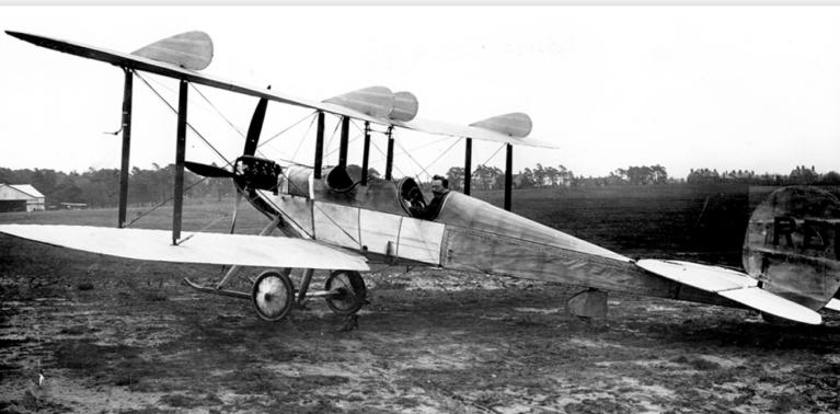 Conheça Desmond Arthur, conhecido como o aviador fantasma
