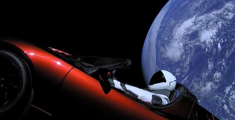 O que aconteceu com o carro enviado por Elon Musk ao espaço?