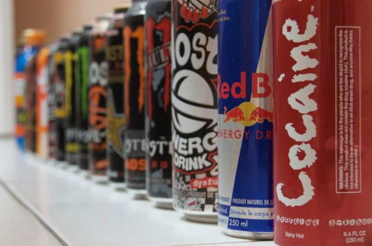 Cientistas não sabem porque bebidas energéticas estão fazendo tão mal para quem as consome