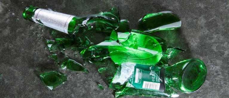 Por que algumas pessoas ficam agressivas após beber?