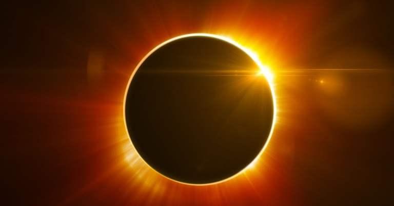 Quando e como ver o eclipse solar que vai acontecer nesta terça? (Ao Vivo)