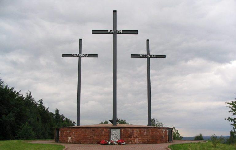 O massacre de Katyn, quando a URSS matou mais de 22 mil pessoas