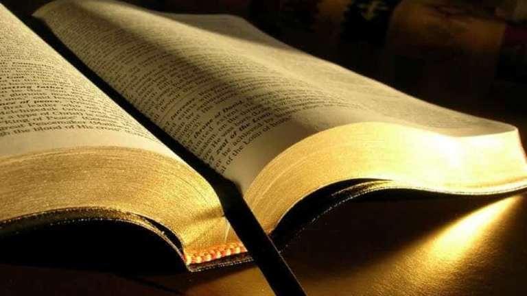 As histórias sangrentas dos tradutores da Bíblia