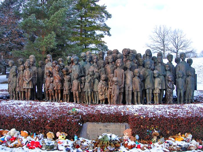 Memorial homenageia a triste história de 82 crianças mortas pelo nazismo