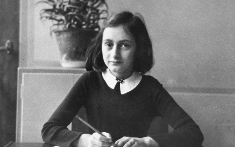 Quem traiu Anne Frank?