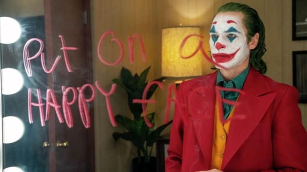 Joaquin Phoenix Interpreta Arthur Fleck Comediante Que Vem A Se Tornar O Coringa 1568036171186 V2 1220x686 1024x576, Fatos Desconhecidos