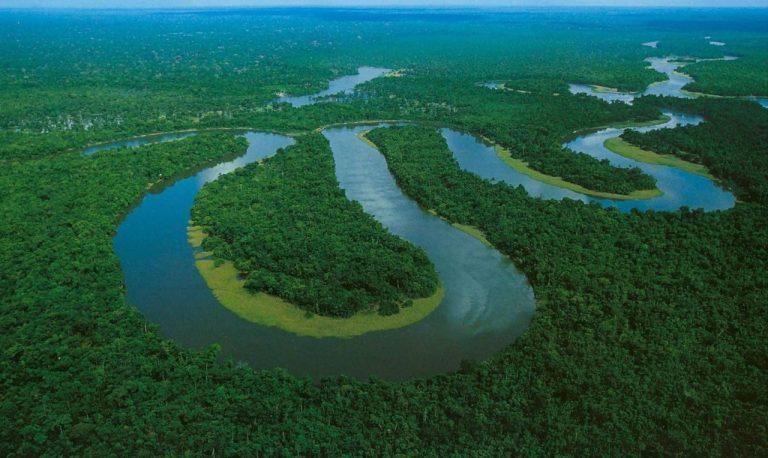 O Rio Amazonas corre pra trás e a ciência já sabe explicar o motivo disso