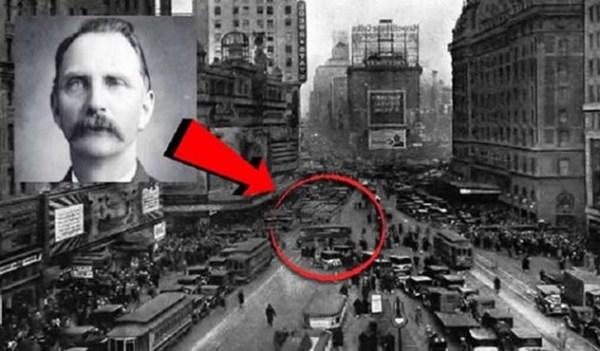 20 Mystery Facts About Rudolph Fentz 752x440 1 600x351, Fatos Desconhecidos