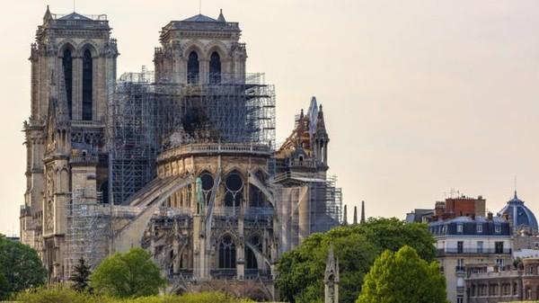 Conheça os segredos de Notre Dame revelados após o incêndio que destruiu a catedral