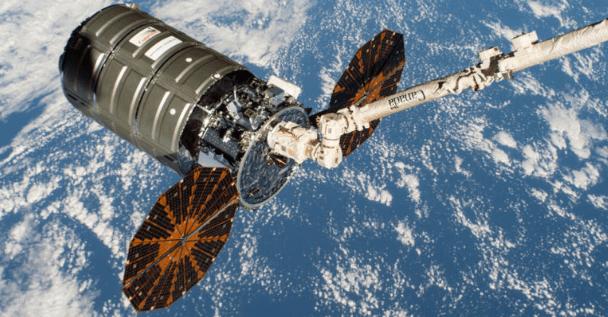 NASA vai incendiar o interior de uma nave espacial