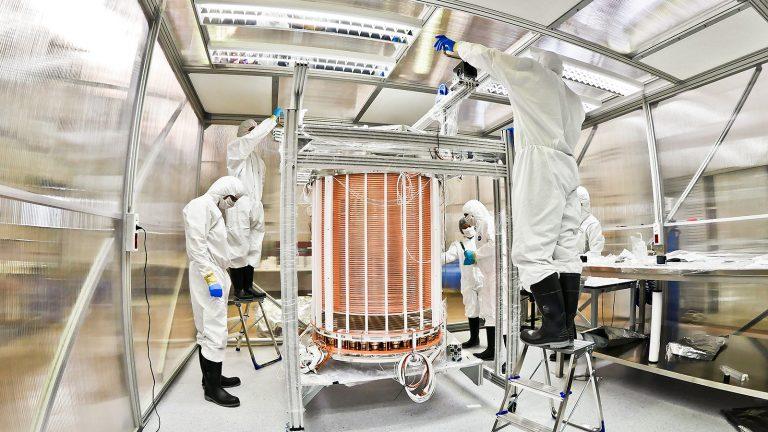 Experimento de matéria escura descobre partícula que poderia derrubar as leis da física