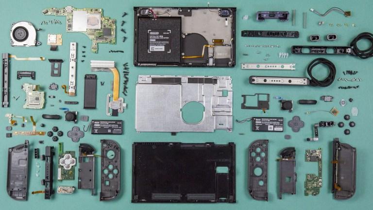 O que existe dentro de um Nintendo Switch desmontado?