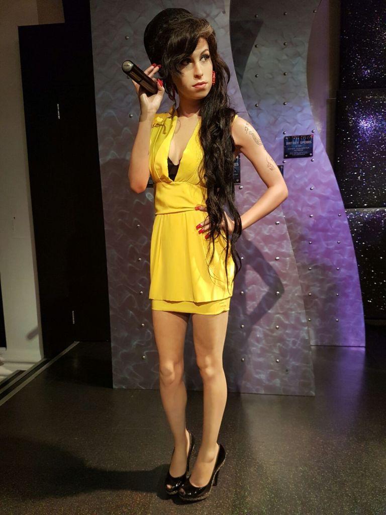 Amy Winehouse 7 768x1024, Fatos Desconhecidos
