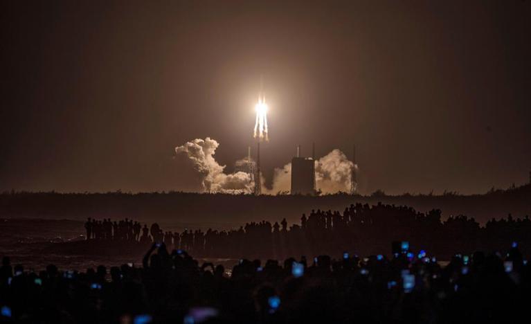 China lançou missão ousada para conseguir primeiras novas amostras lunares em décadas
