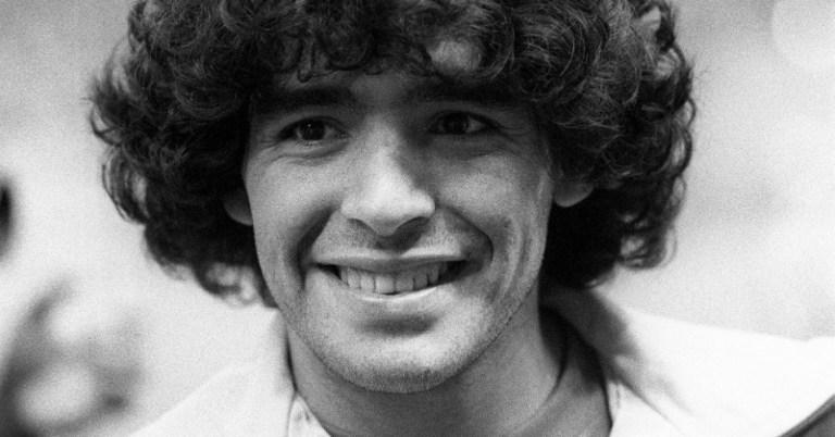 Internautas especulam que Maradona previa a própria morte em mensagens enviadas a Pelé