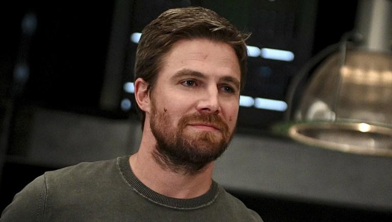 Stephen Amell oferece voltar para uma nova temporada de Arrow