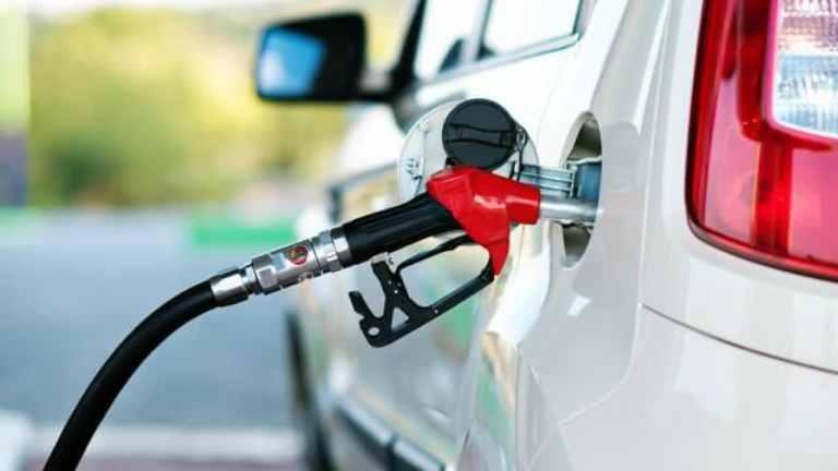 Por que muitas pessoas gostam do cheiro da gasolina?