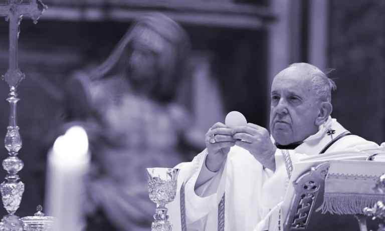 Papa, em novo decreto, permite mulheres assumirem mais papéis na Igreja