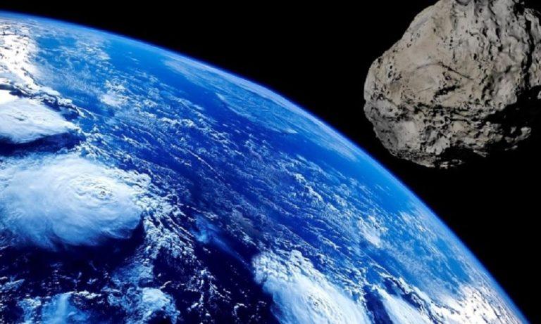 """Um asteroide gigante vai passar """"raspando"""" na Terra esse mês"""